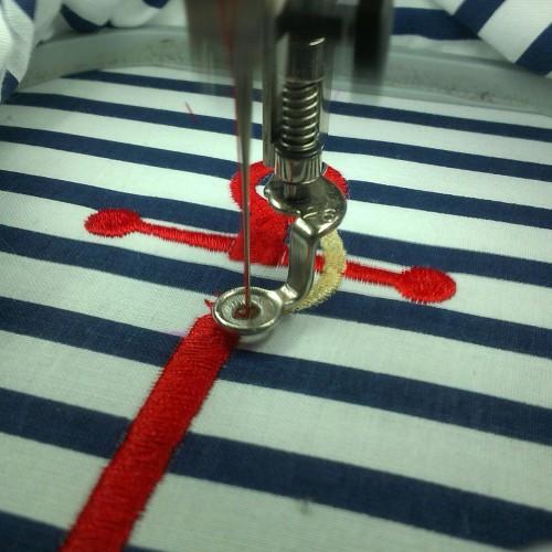 Kotwica w trakcie haftu